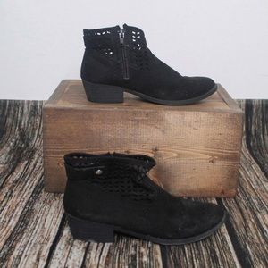 🎀3/$30 Girls American Eagle Black Booties Size 3